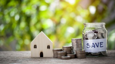 Кредитите и депозитите продължават да се трупат, отчете БНБ