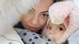 Славея Сиракова и бебе Емили: като две капки красота