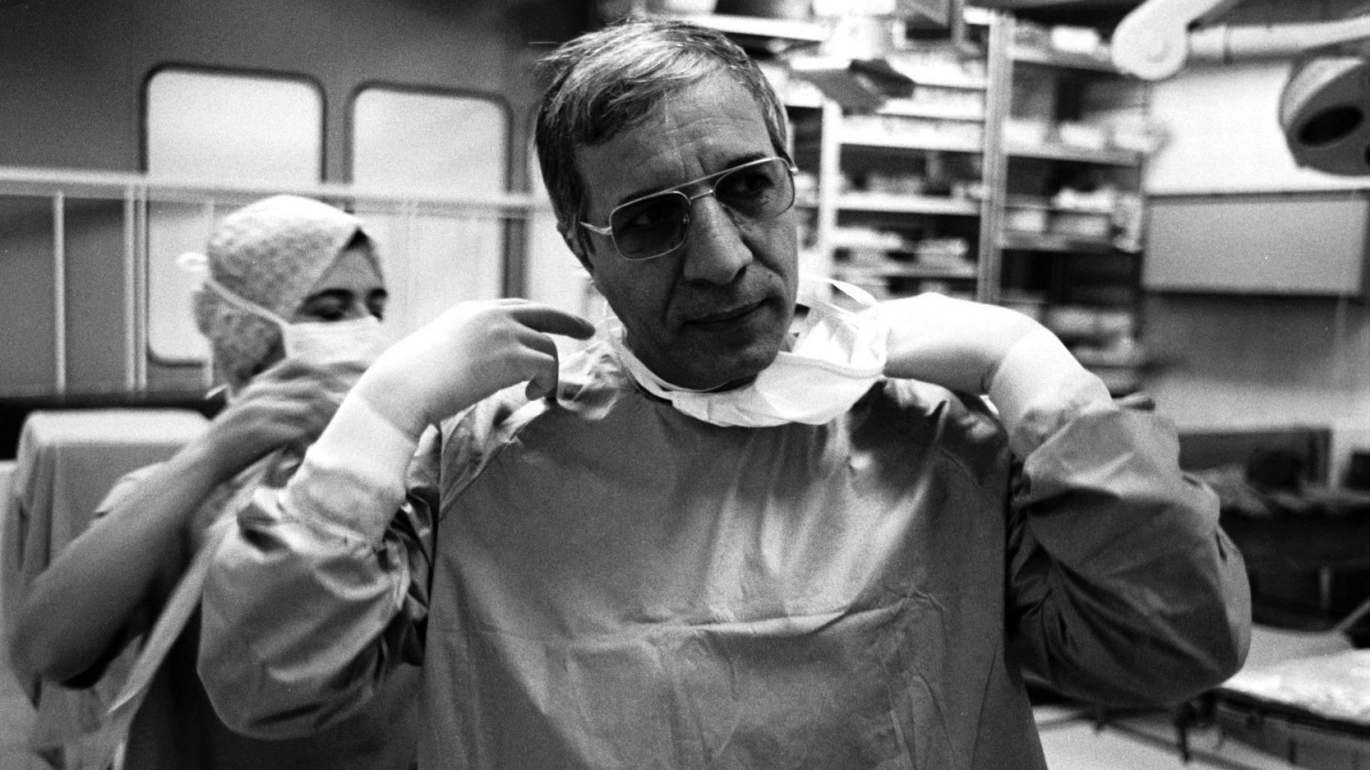 Последните мечти на Чирков - болница във Варна и дано да може да лекува и на 90 г.