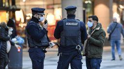 Чистка на германски полицаи за екстремизъм