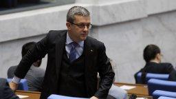 Тома Биков: На прага сме на политическа криза