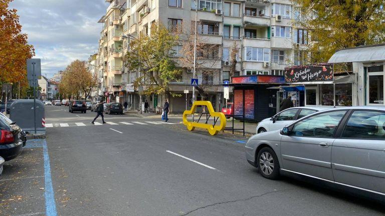 Община Бургас монтира пътни инсталации на няколко места в центъра