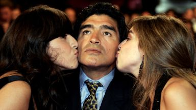 Наследството на Марадона: Държава му дължи $50 милиона, има къща в Куба и 7 автомобила