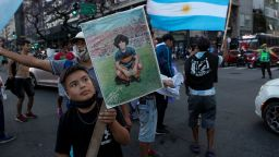 Инфаркт е отнел живота на Диего, чакат над 1 милион аржентинци на поклонението