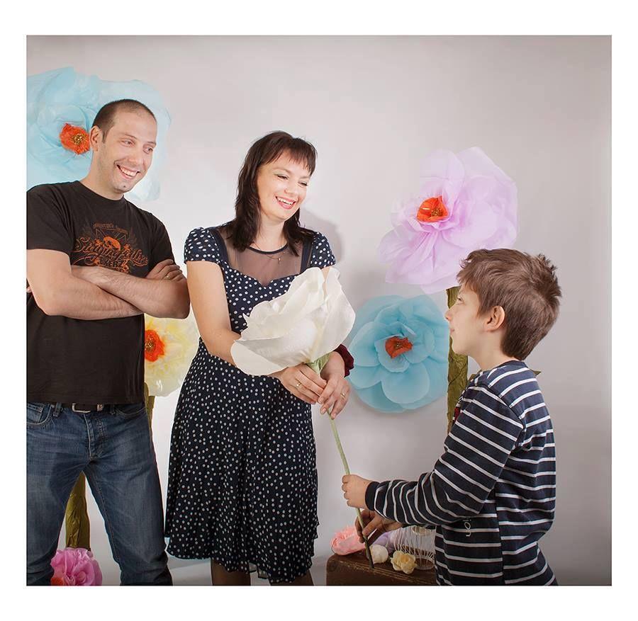Вкъщи Стойчо и Ани също са учители на Тео
