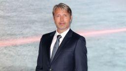 """Потвърдено: Мадс Микелсен заменя Джони Деп във """"Фантастичните животни 3"""""""