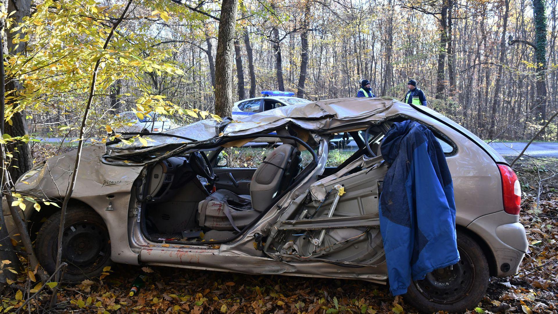 Две тежки катастрофи с удар в дърво с две жертви за часове