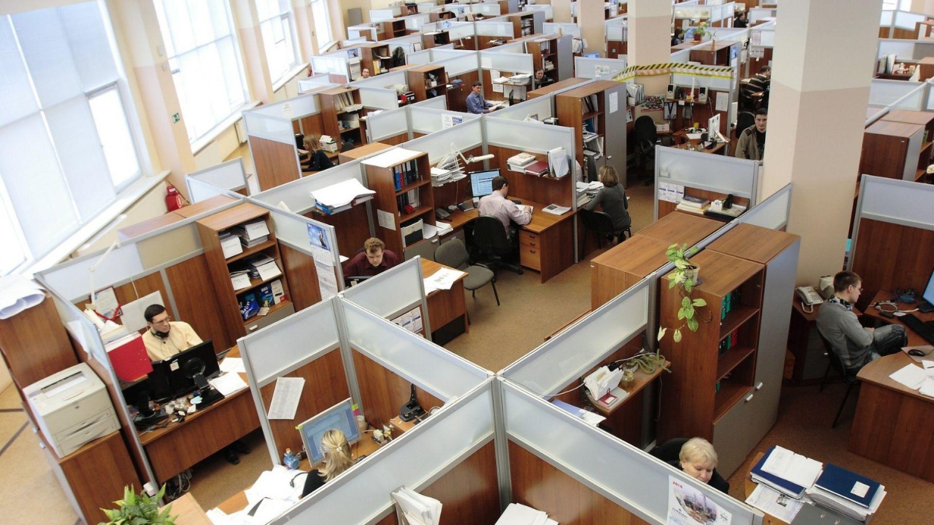 Работното ни място: тежката дума на пандемията