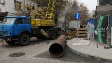 Авария спря парното и топлата вода в 5 квартала на София