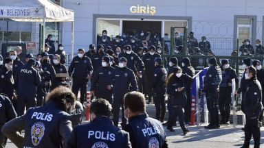 Турски съд издаде 337 доживотни присъди затвор в един ден