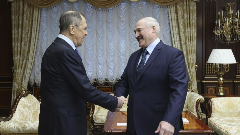Лавров се видя с Лукашенко в Минск, говори за реформи