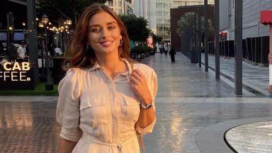 Саня Борисова се зарежда с витамин D в Дубай