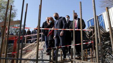 Румен Радев отново обяви Бюджет 2021 за разоряващ, но няма да го спира