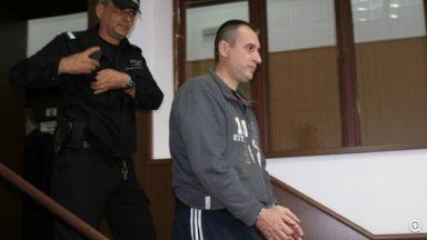 Потвърдено: доживотен затвор за бившия полицай, убил родителите си