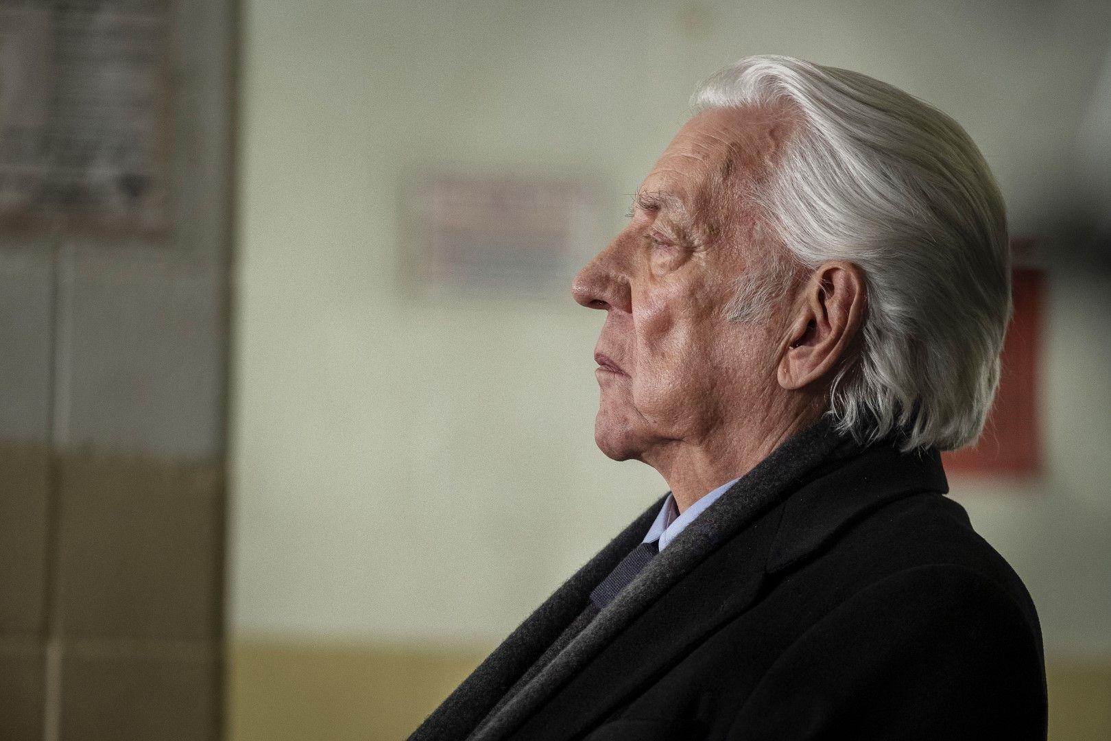 Бащата Франклин (Доналд Съдърланд) (Снимка: HBO)