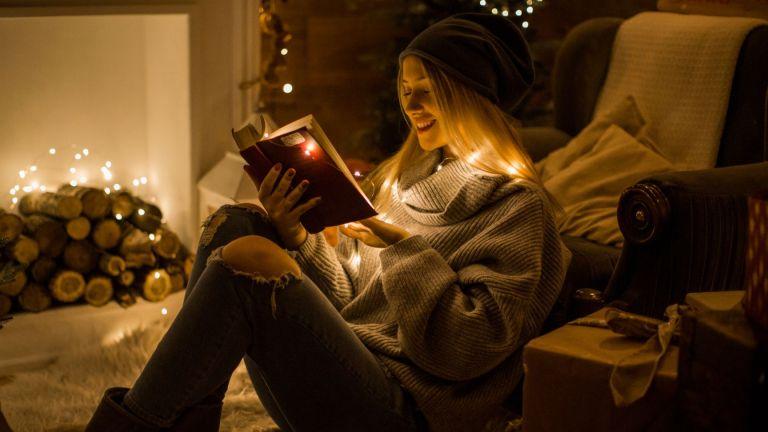5 книги, с които да събудим празничния си дух преди Коледа