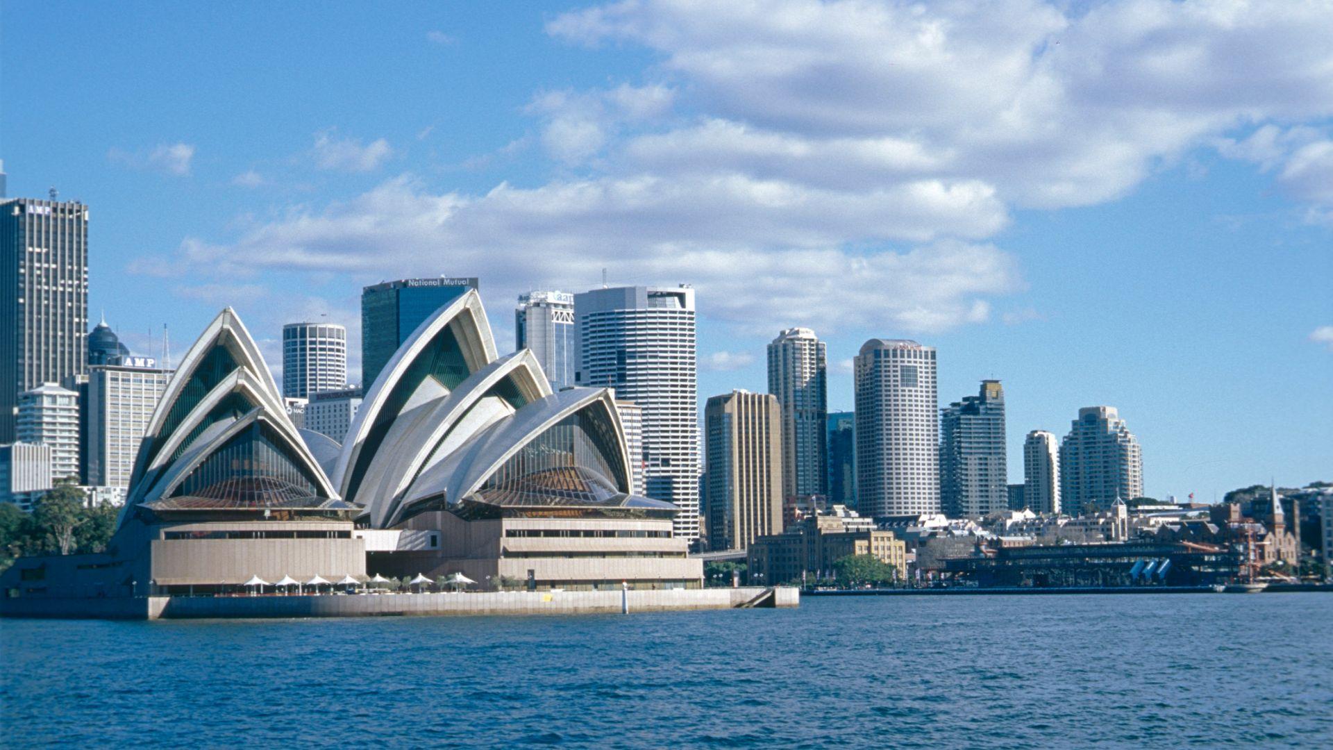 Сидни регистрира най-горещата си ноемврийска нощ