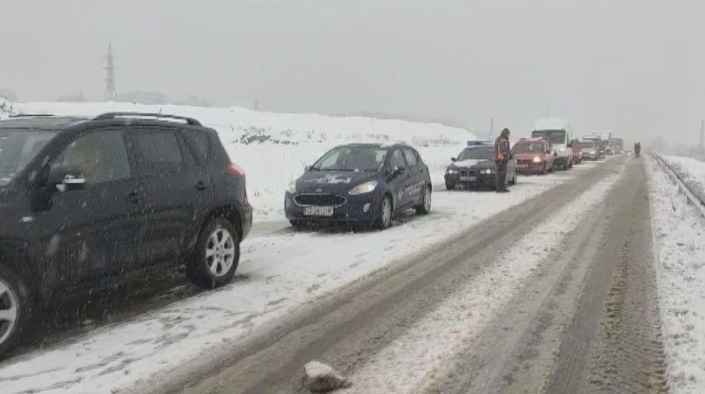 Аварирали камиони затвориха пътищата в Северна България