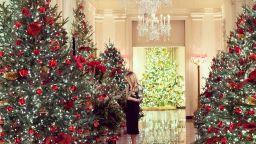 Мелания Тръмп показа коледната украса на Белия дом (снимки и видео)