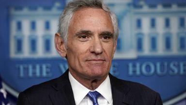 Съветник на Тръмп в борбата с коронавируса подаде оставка