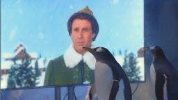 Пингвини в лондонски аквариум гледат коледни филми, докато няма посещения
