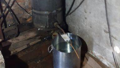 Митничари спипаха близо тон алкохол в Разградско (снимки)