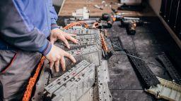 Европейските заводи осигуряват батерии за 7 млн. електромобили годишно
