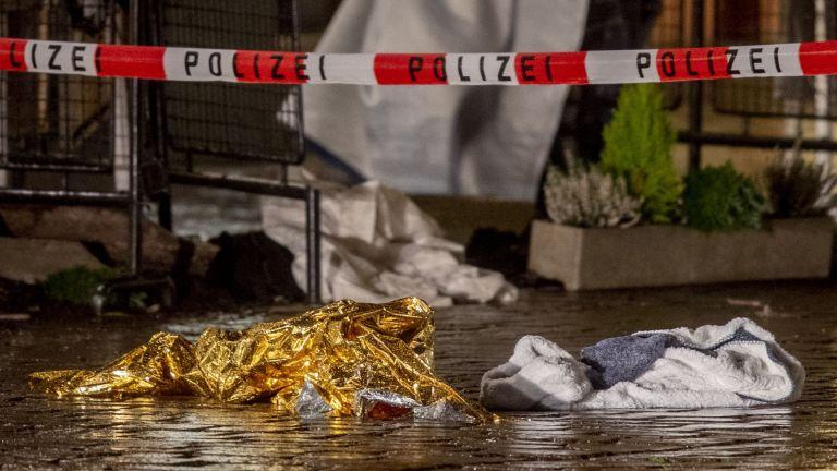 Премиерът на провинция Райнланд-Пфалц Малу Драйер съобщи, че сред убитите
