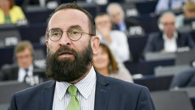 """След сексскандала в Брюксел: Унгарският евродепутат се извини за """"личния си провал"""""""