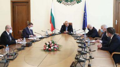 Задоволство на премиер и министри от пробив в икономическите мерки