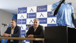 """Левски"" обяви спонсорски договор, ще има лого на екипите"