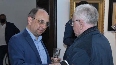 Николай Василев: Такова голямо раздаване на пари е безобразие