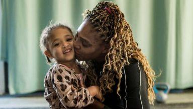 Серина Уилямс и дъщеря ѝ с красиви усмивки и бижута