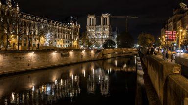 """Хорът на парижката катедрала """"Нотр Дам"""" ще изнесе концерт в обгорелия храм за Коледа"""