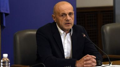 Дончев: Кой политик има един час, за да обясни една конкретна секторна политика?