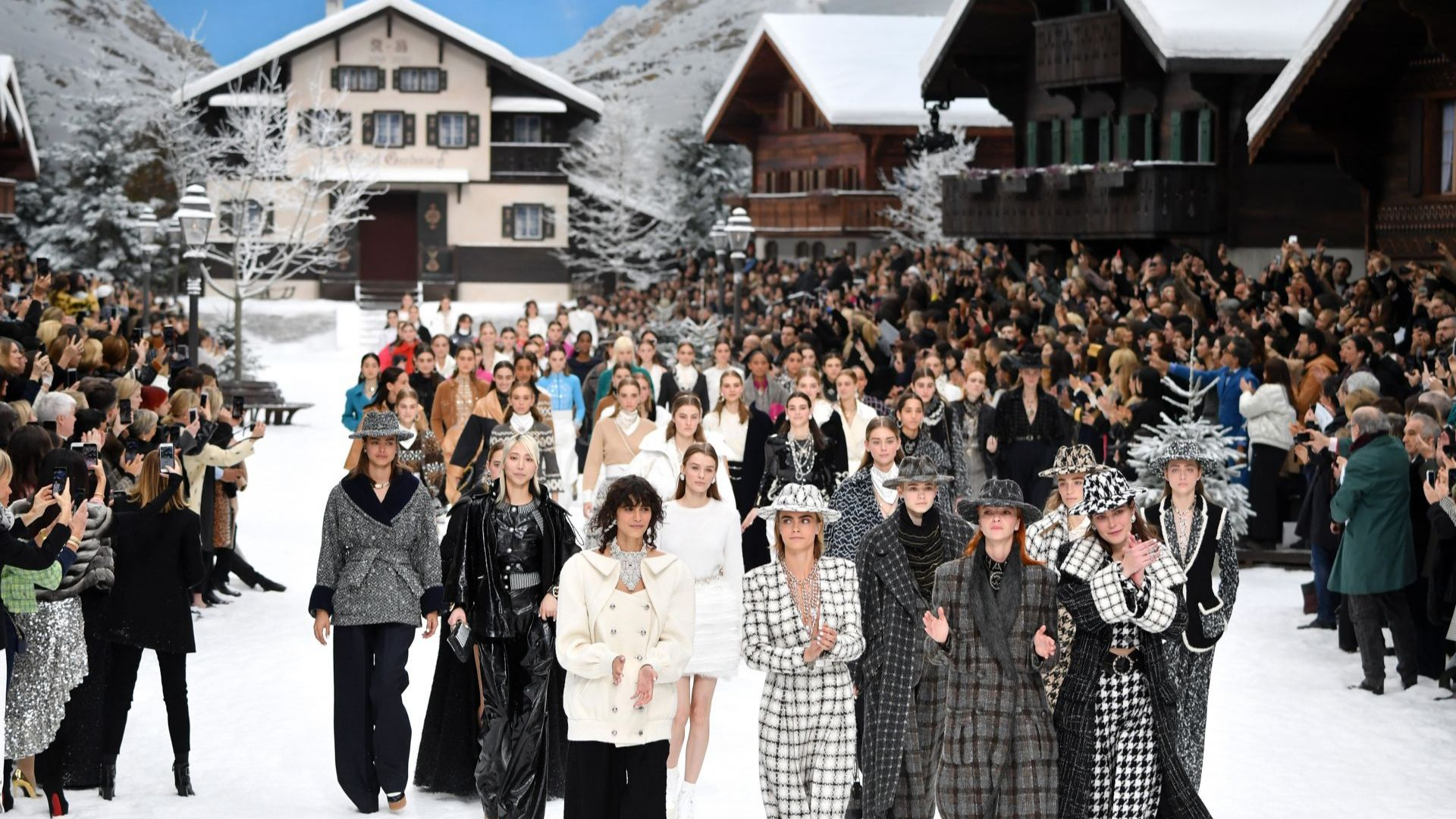Chanel и Burberry получиха отличия от Британския моден съвет