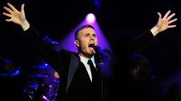 Гари Барлоу оглави британската класация за албуми