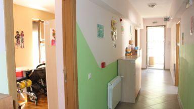 Компромис – децата от последните домове у нас остават в Стара Загора и след закриването им