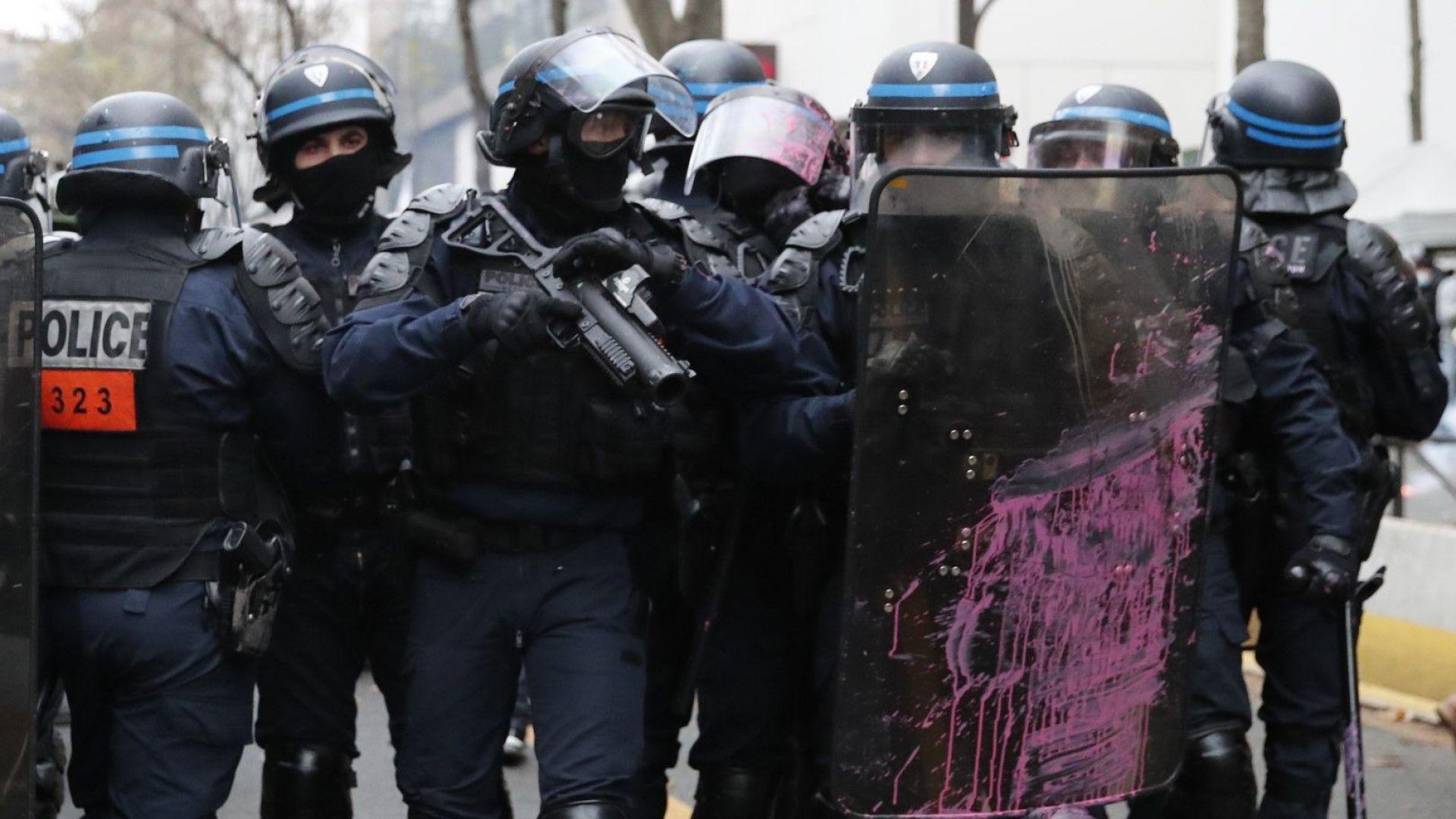Френският парламент прие спорния закон за всеобщата сигурност