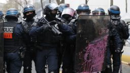 Убиха полицай при акция срещу наркодилъри в Авиньон