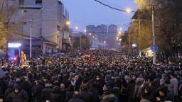 Десетки хиляди арменци поискаха оставката на премиера Никол Пашинян
