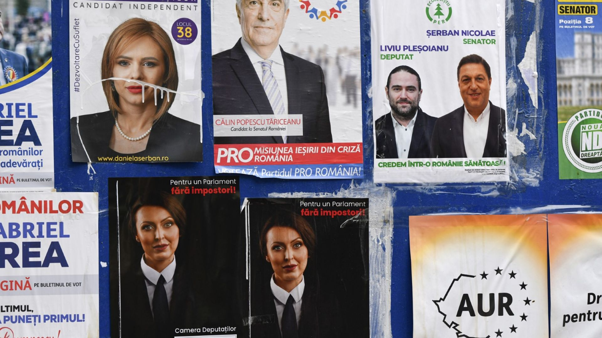 """Изборите в Румъния се очаква да възвестят """"европейско"""" поколение политици"""