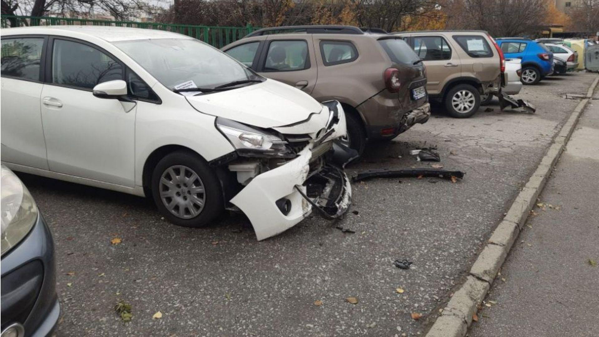 Пиян шофьор помля паркирани коли в Пловдив