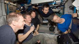 Американци спасиха от глад руснаците на борда на МКС