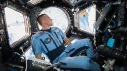 НАСА ще избира астронавти след кръвен анализ