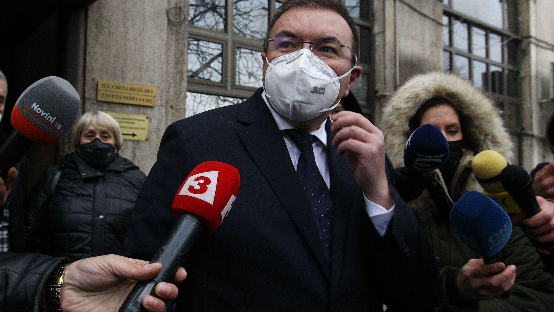 Здравният министър: Много е рано да говорим за отваряне на всичко от 21 декември