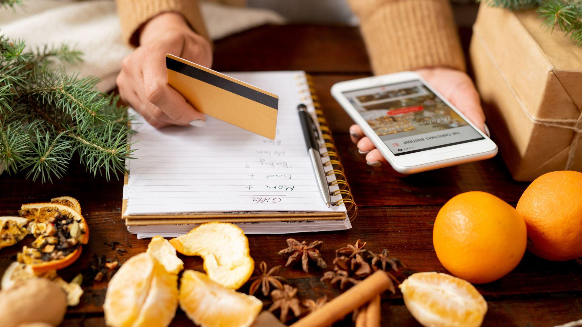 Малък план за перфектното коледно пазаруване: Колко, какво, за кого - направете си сметката!