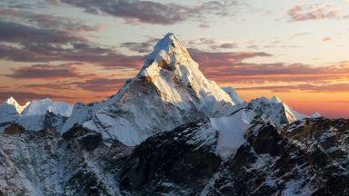 Еверест официално порасна с 86 см