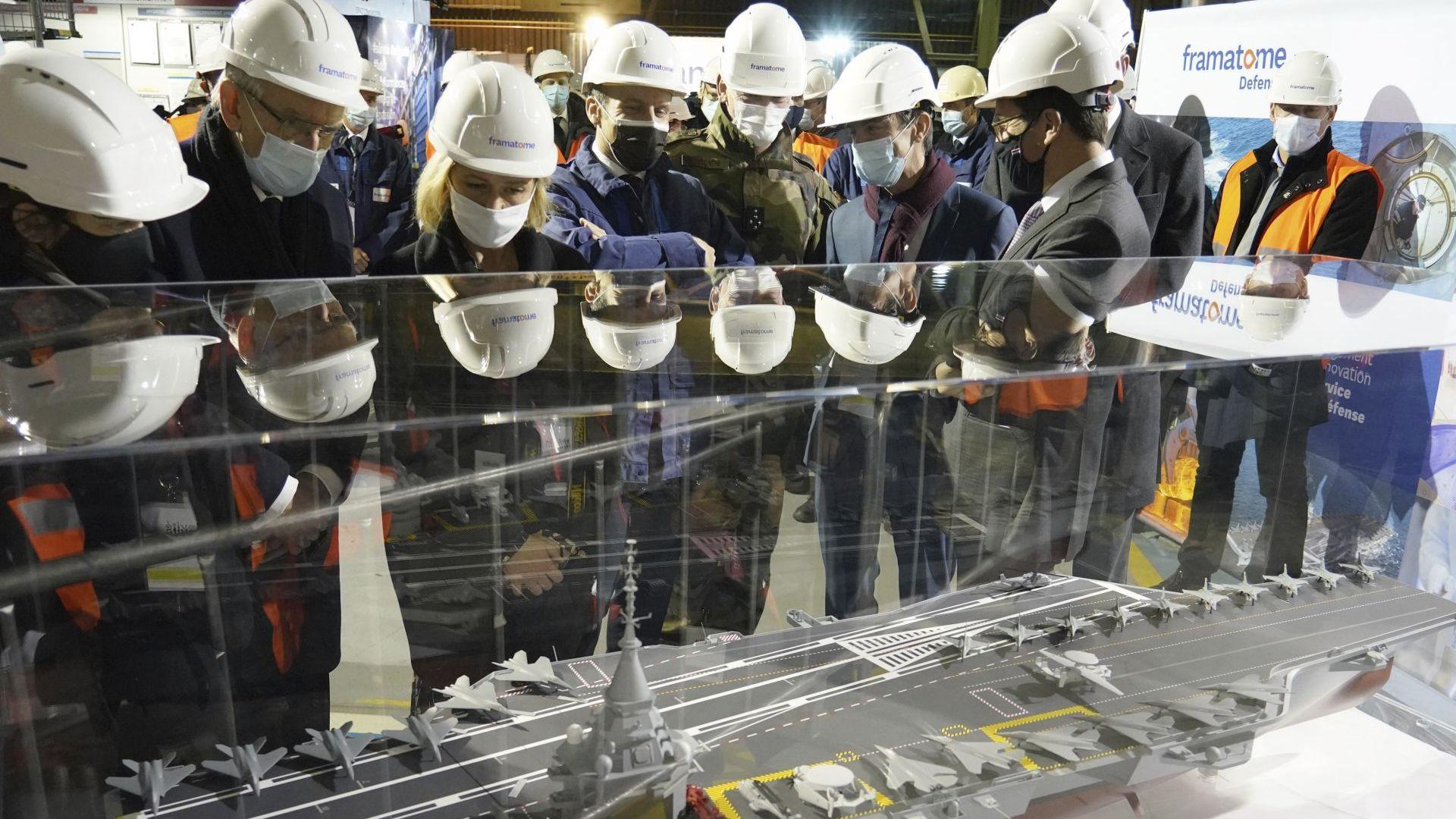 Франция ще строи нов атомен самолетоносач