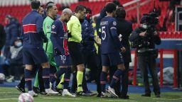 УЕФА се произнесе: Румънският рефер не е расист, но отнесе наказание